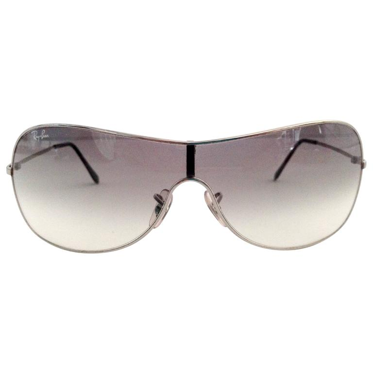 Ray Ban Silver Frame Aviator Sunglasses and Case For Sale ...