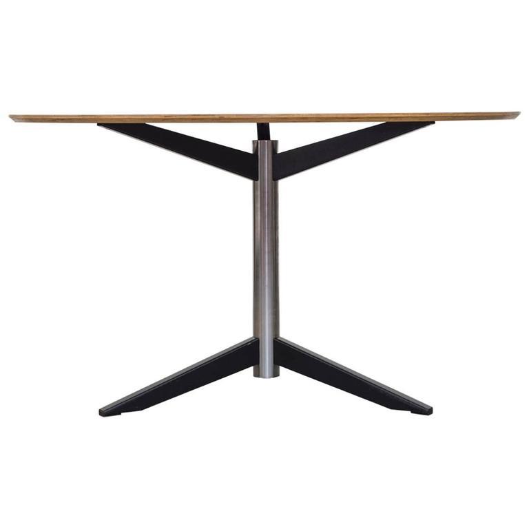 Martin Visser Dining Table Model Te06 for 't Spectrum