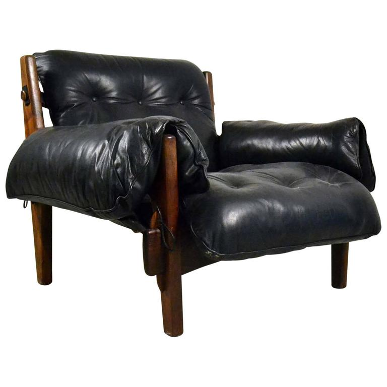Early Mischievous or Mole Lounge Chair by Brazilian Sergio Rodrigues in Black Le