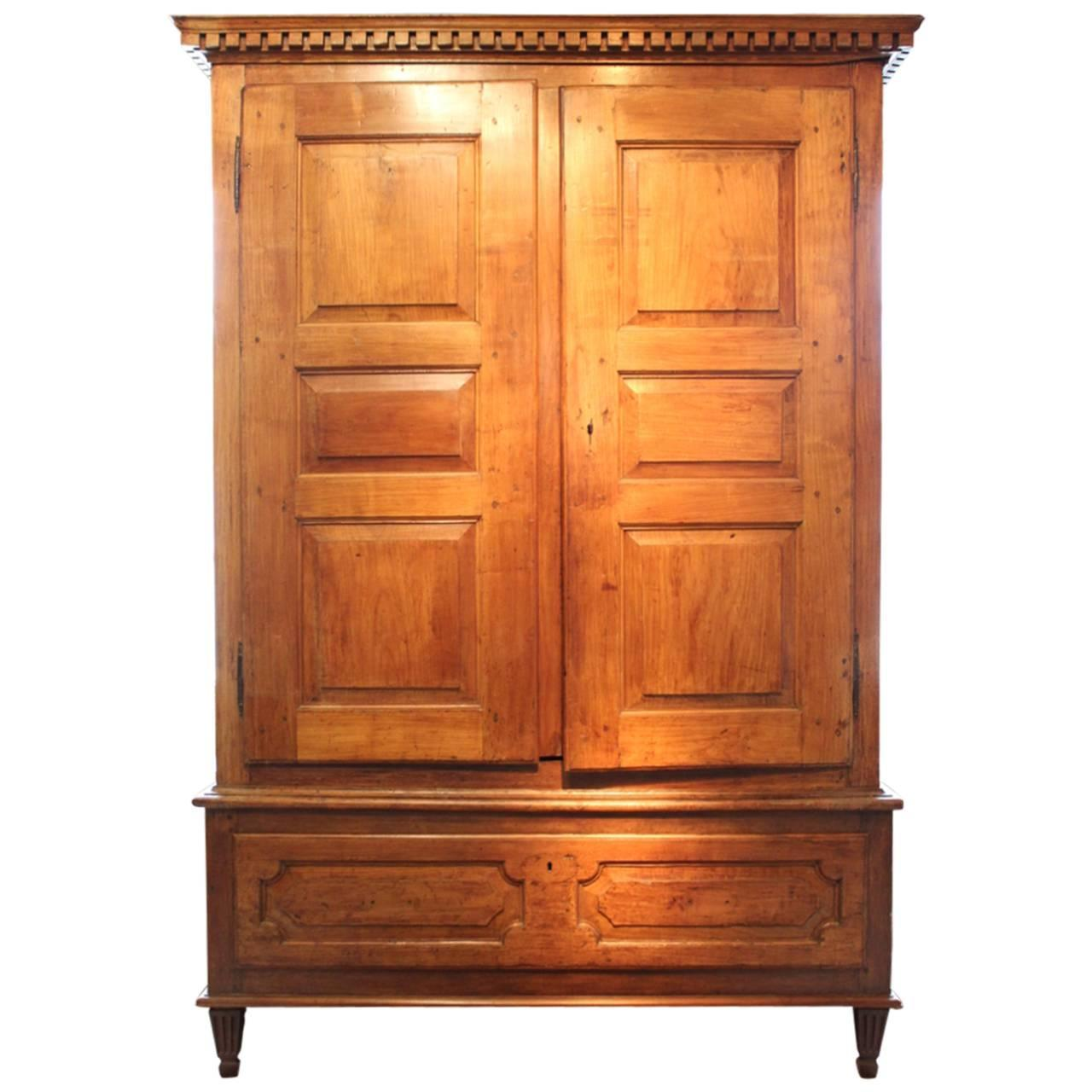 late 18th century louis xvi armoire for sale at 1stdibs. Black Bedroom Furniture Sets. Home Design Ideas