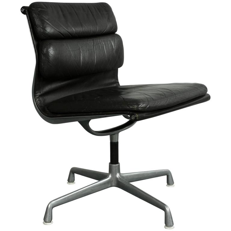 Charles eames for herman miller brown leather soft pad for Herman miller eames aluminum group management chair