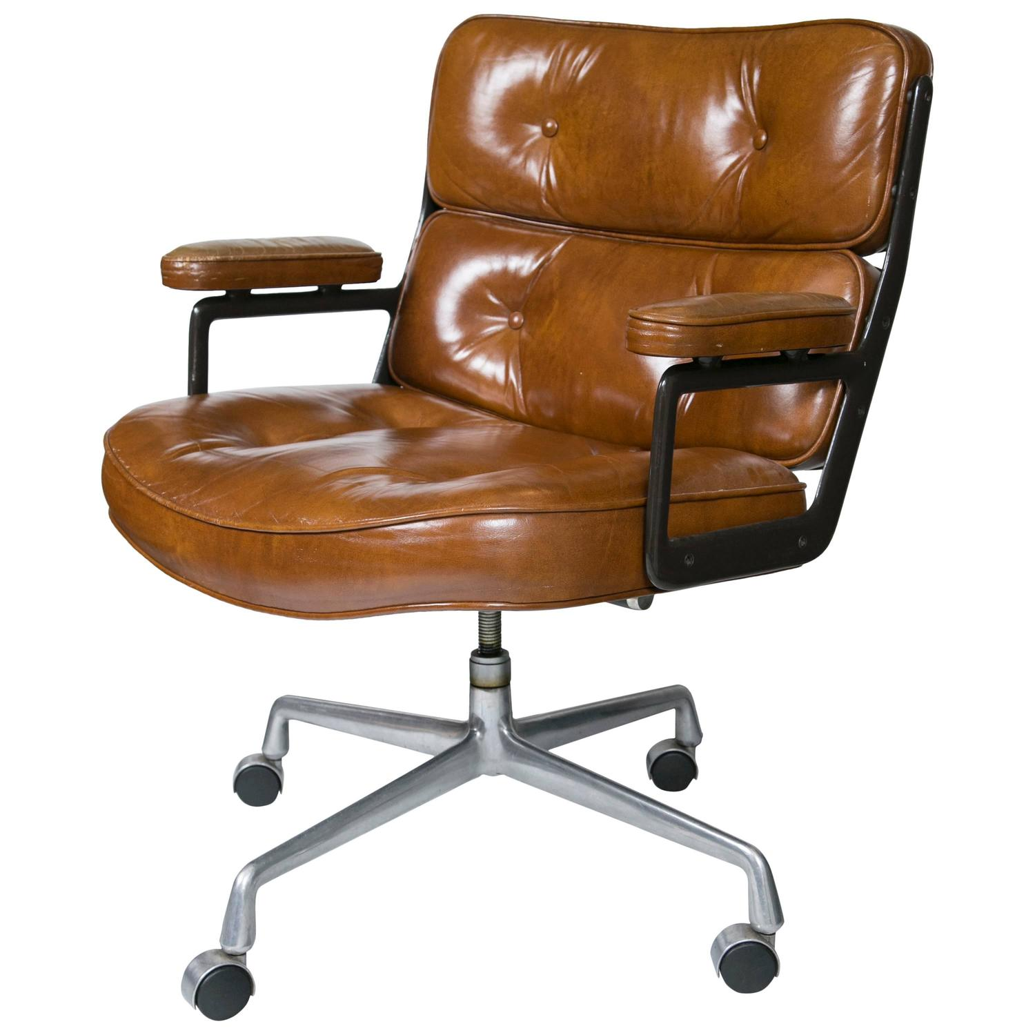 Eames executive chair by herman miller at 1stdibs - Herman miller chair eames ...