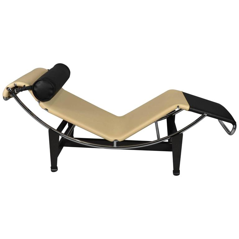Lc4 chaise longue limited edition by louis vuitton and for Chaise longue cassina