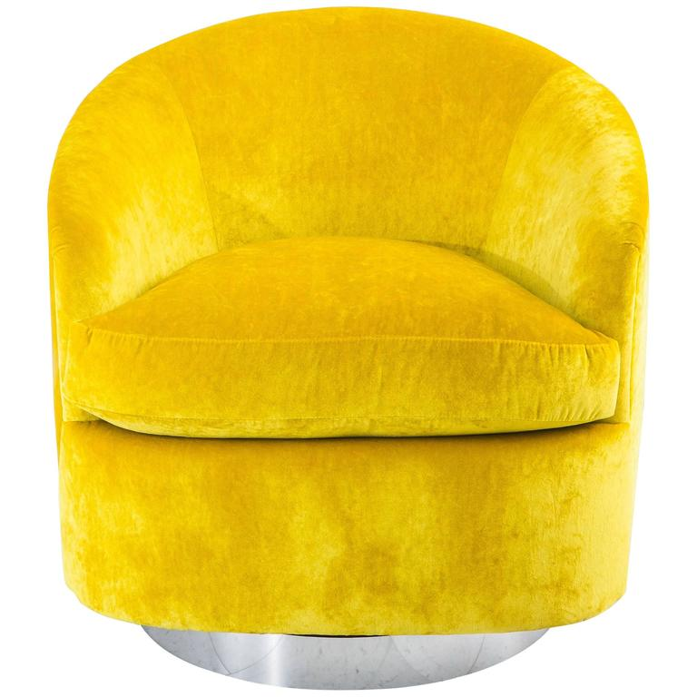 Milo Baughman, Yellow Velvet Swivel Chair, USA, 1970s 1