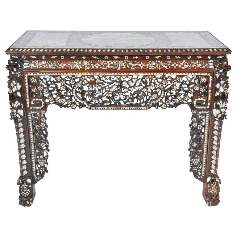 Beau 19th Century Chinese Mother Of Pearl Inlaid Table For Sale