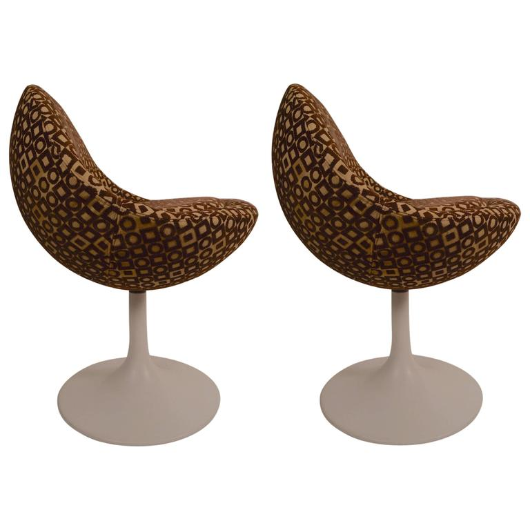 Pair of Swivel Venus Pod Chairs by Borge Johansen