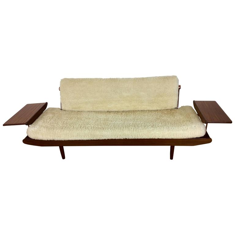 Mid century sofa daybed toothill at 1stdibs for Mid century daybed sofa