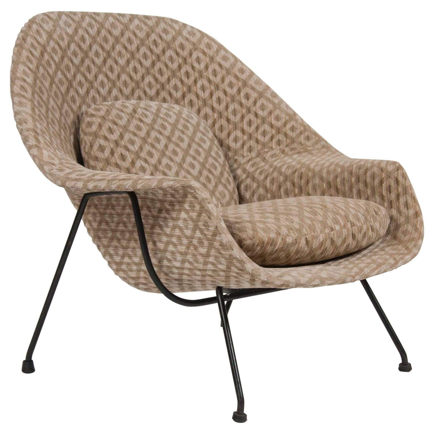 first generation eero saarinen womb chair for knoll at stdibs -