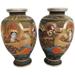Early 20th Century Pair of Japanese Satsuma Vases in Painted Ceramic
