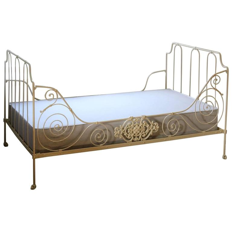 French Iron Daybed, MS23 For Sale