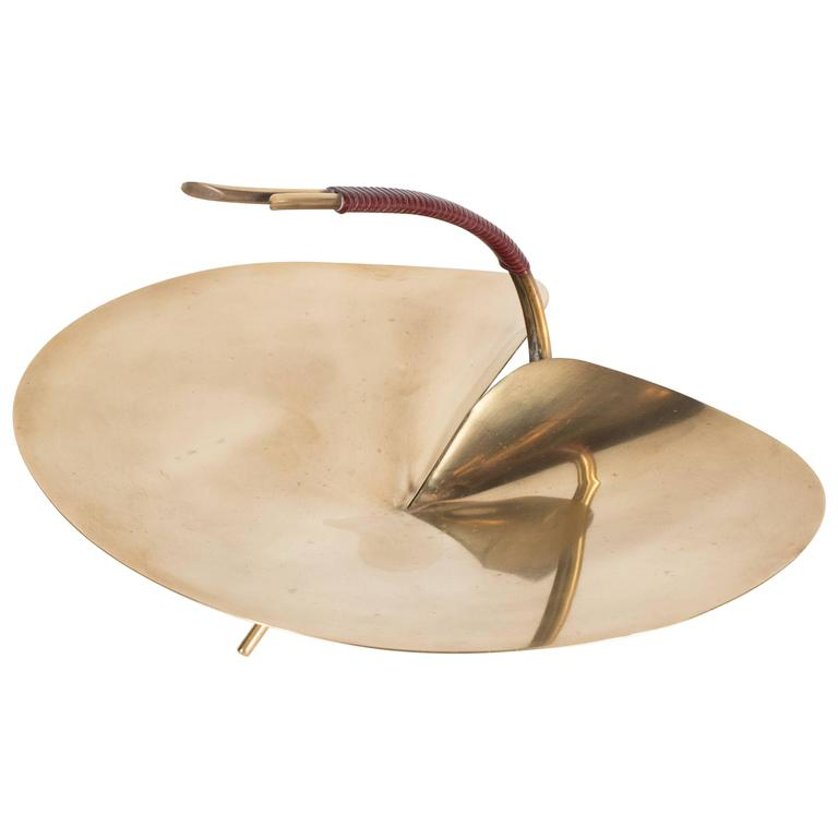 Sophisticated MidCentury Polished Brass Lilypad Dish by Carl Auböck at 1stdibs -> Munari Quartz