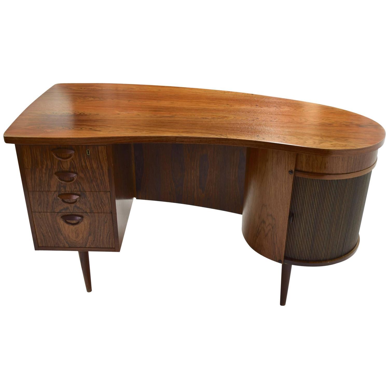 Rosewood desk by kai kristiansen for fm furniture 1956 for Bureau haricot