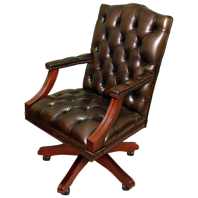 Charmant English Handmade Gainsborough Leather Desk Chair Green For Sale