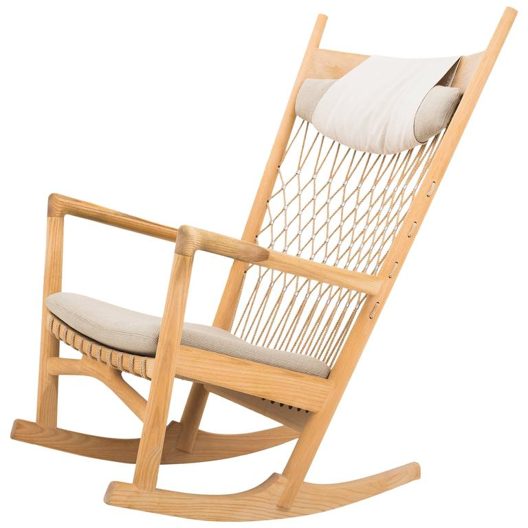 Charmant Hans J. Wegner Rocking Chair For Sale