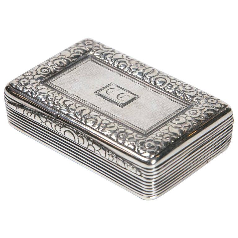 Sterling Silver Snuff Box by Thomas Ellis, circa 1824, English For Sale