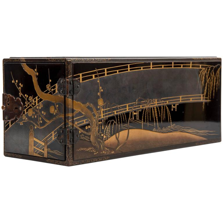 Edo Balck and Gold Japanese Lacquered Cabinet 1