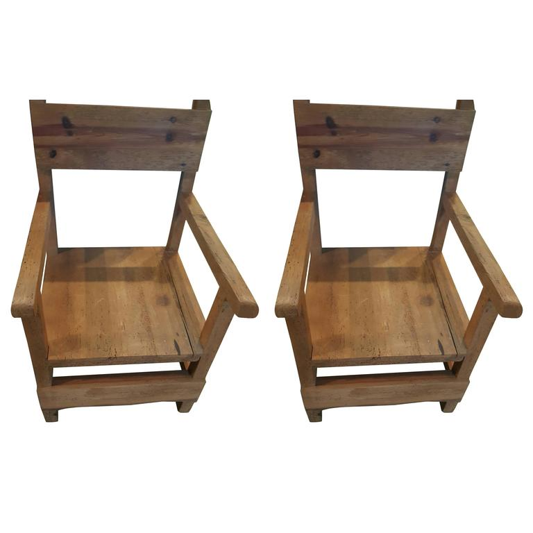 Pair of Vintage Colonial-Style Mexican Hall Chairs 1