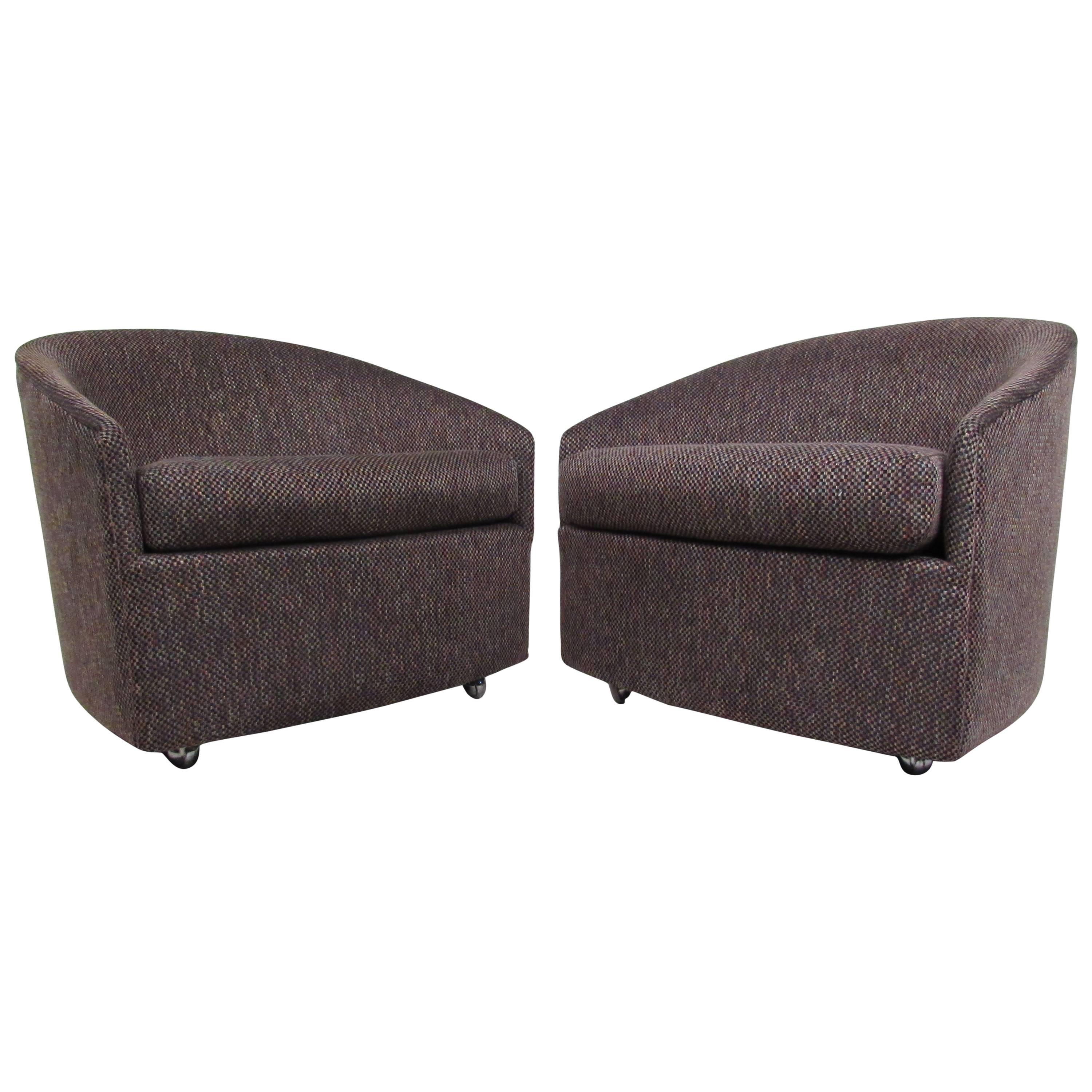 Pair of Stylish Mid-Century Modern Barrel Back Lounge Chairs after Milo Baughman