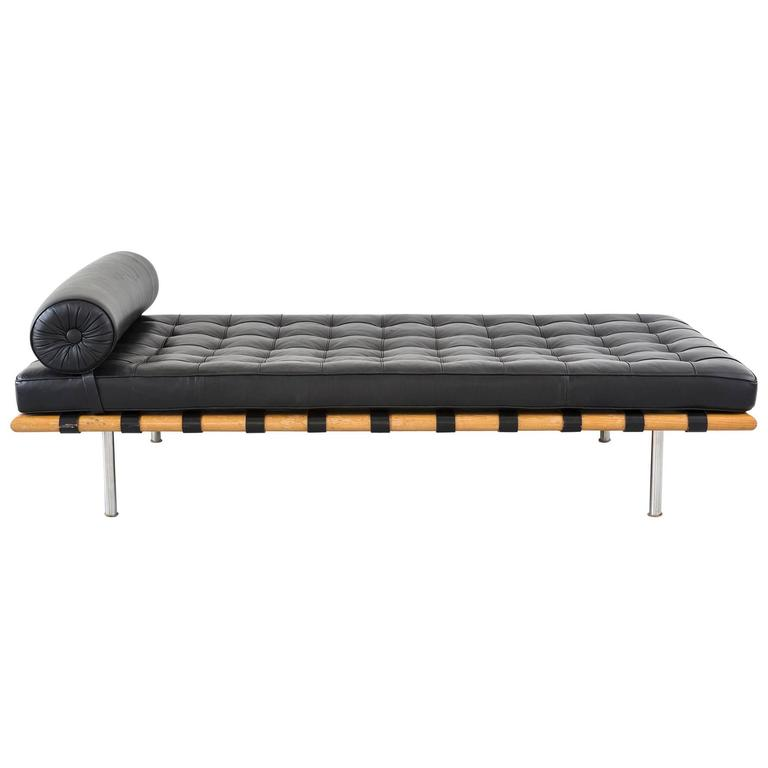 Mid-Century Modern Barcelona Daybed Couch By Mies Van Der Rohe For Knoll 1