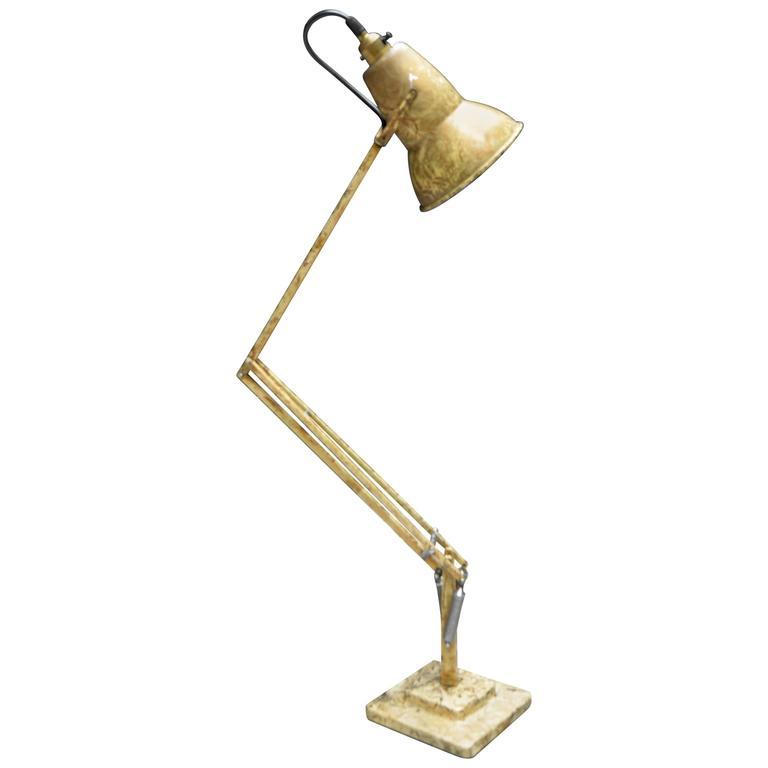 1227 gold anglepoise herbert terry desk lamp for sale at 1stdibs. Black Bedroom Furniture Sets. Home Design Ideas