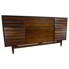 1950 American of Martinsville Nine-Drawer Dresser