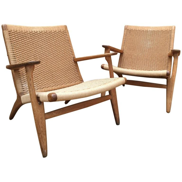 Pair Of Wegner Ch25 Lounge Chairs At 1stdibs