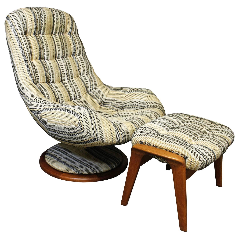 R Huber Danish Modern Style Teak Swivel Lounge Chair And