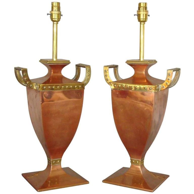 Early 20th Century Pair of Copper and Brass Lamps