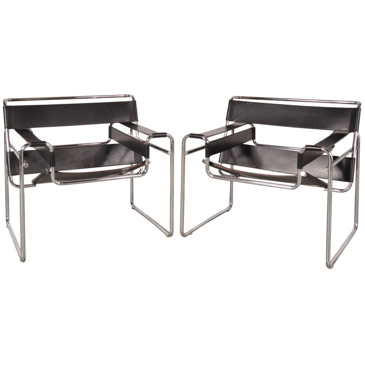 set of two wassily chairs by marcel breuer for gavina italy circa 1960 for sale at 1stdibs. Black Bedroom Furniture Sets. Home Design Ideas