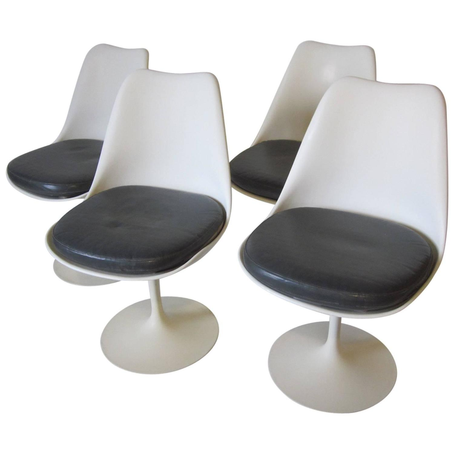 Eero saarinen tulip side chairs by knoll at 1stdibs for Eero saarinen tulip armchair