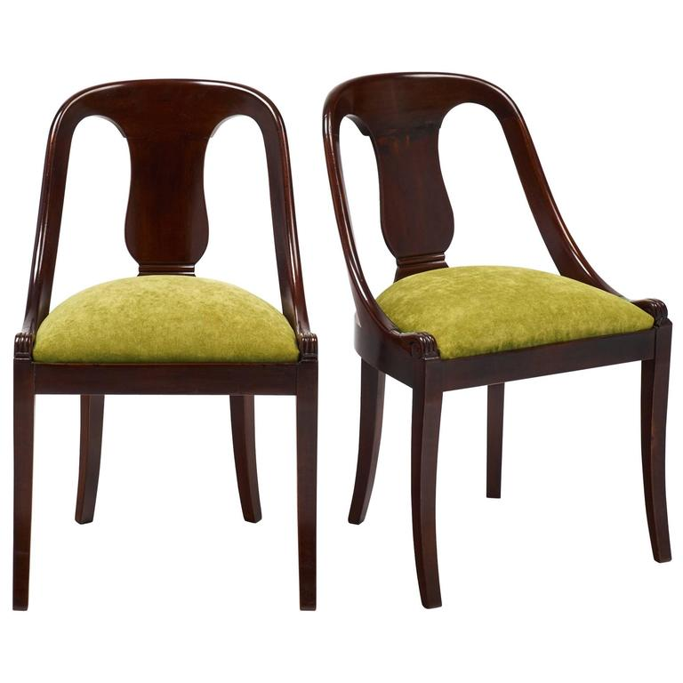 Beau French Empire Style Pair Of Solid Mahogany Gondola Chairs For Sale