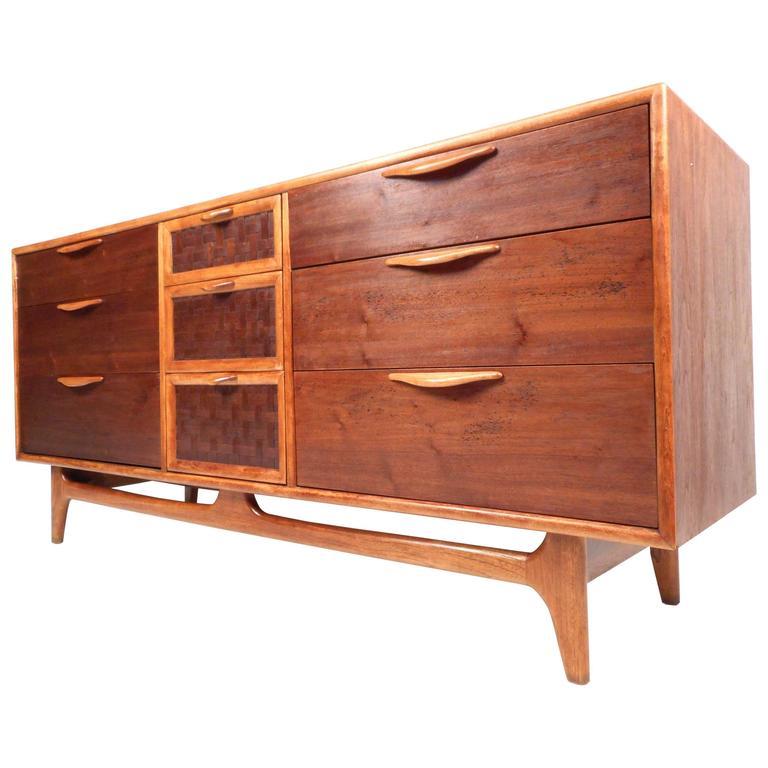 Mid-Century Modern Walnut Dresser by Warren Church for Lane For Sale