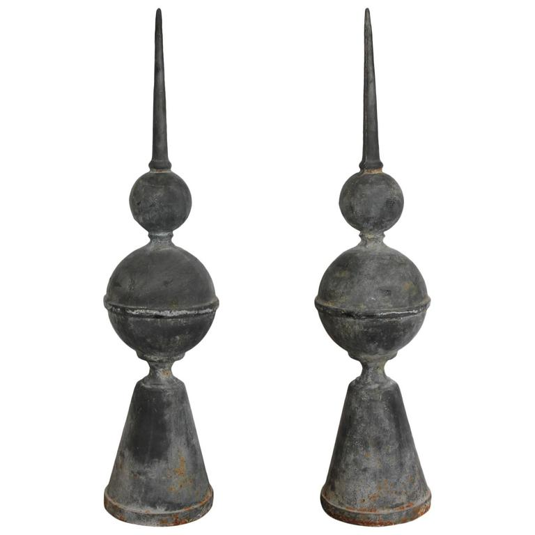 Superbe 20th Century Metal Garden Finials For Sale
