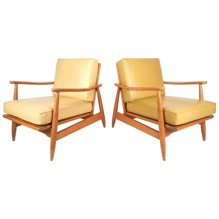 Pair Of Mid Century Modern Maple And Vinyl Lounge Chairs For Sale