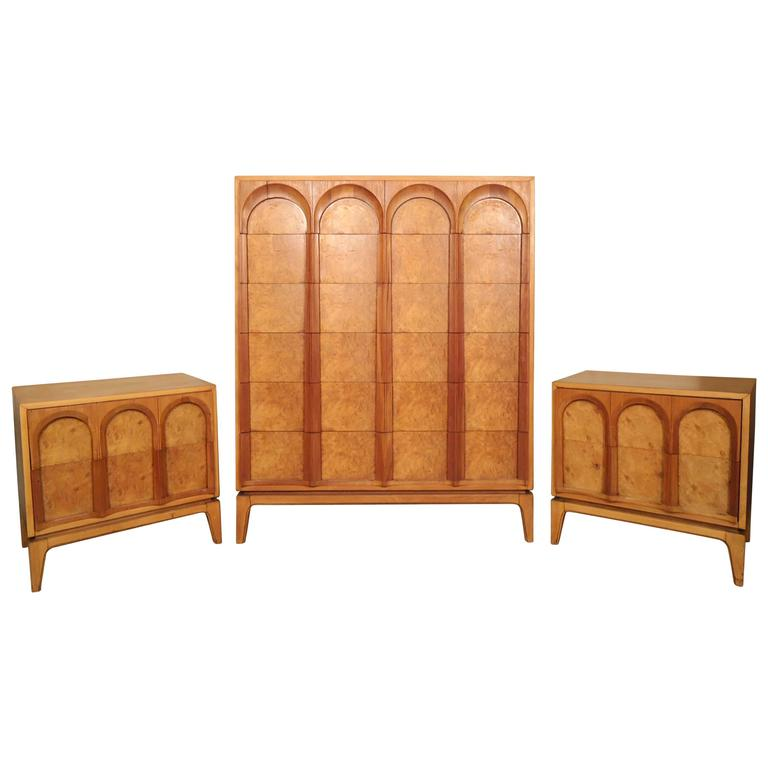 Mid century bedroom set by thomasville for sale at 1stdibs for Mid century bedroom furniture