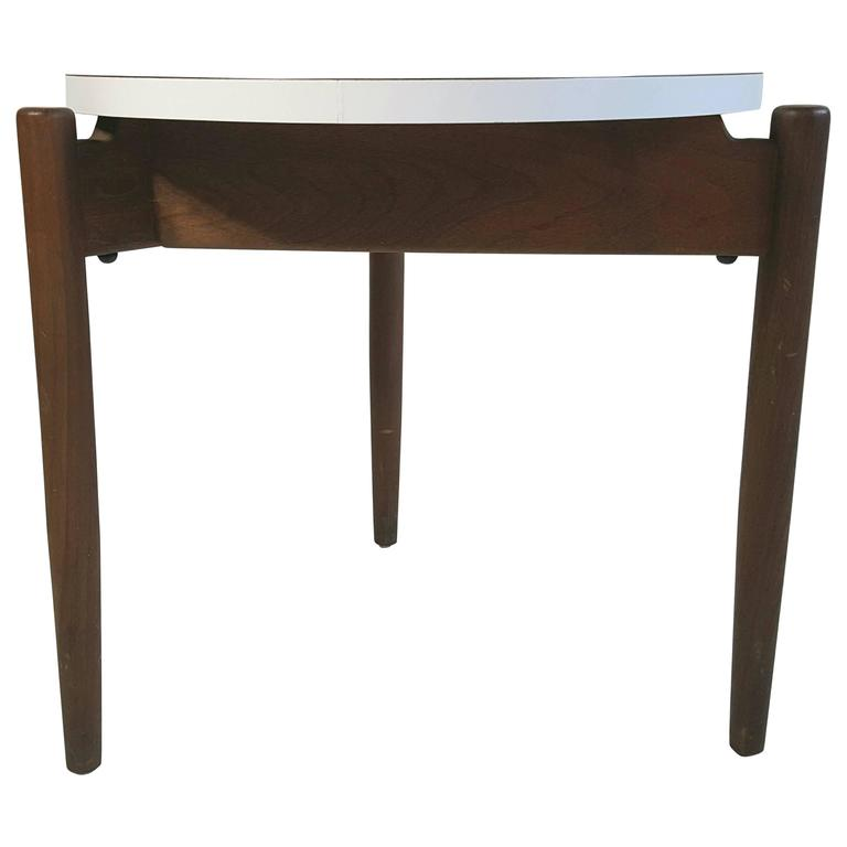 Modernist Side Table, Walnut and Laminate, Designed by Jens Risom 1