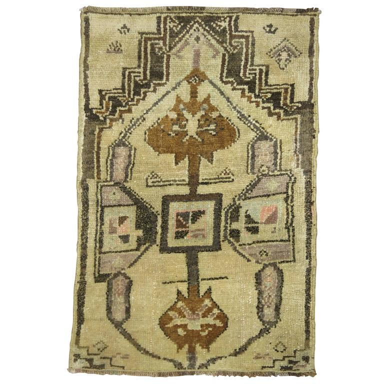 Oushak Rug Mat At 1stdibs