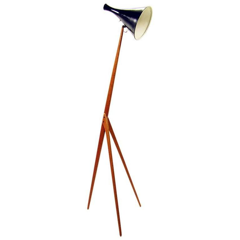 this praying mantis floor lamp by uno kristiansson for luxus is no. Black Bedroom Furniture Sets. Home Design Ideas