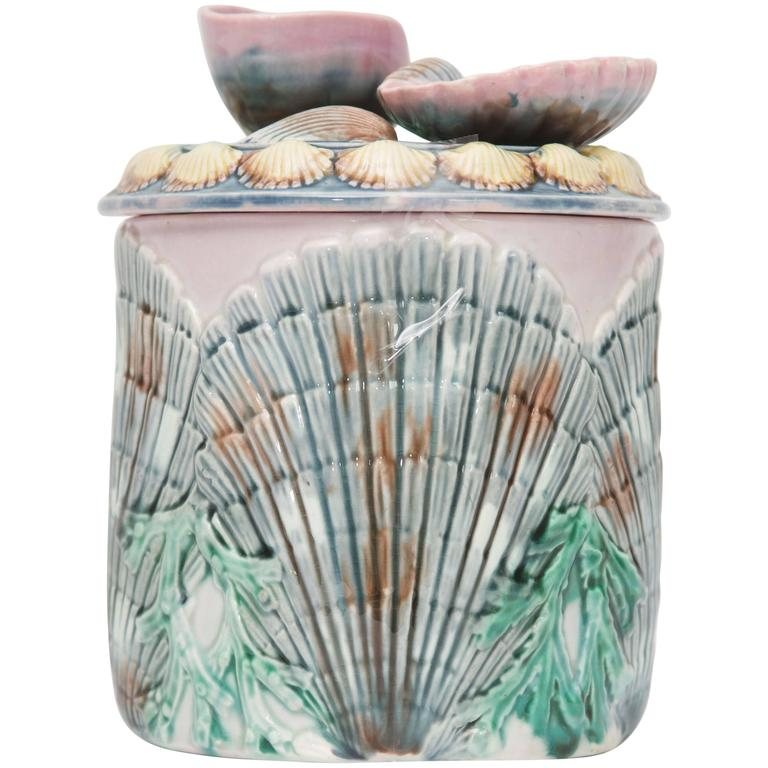 19th Century Shell and Seaweed Etruscan Majolica Lidded Jar For Sale