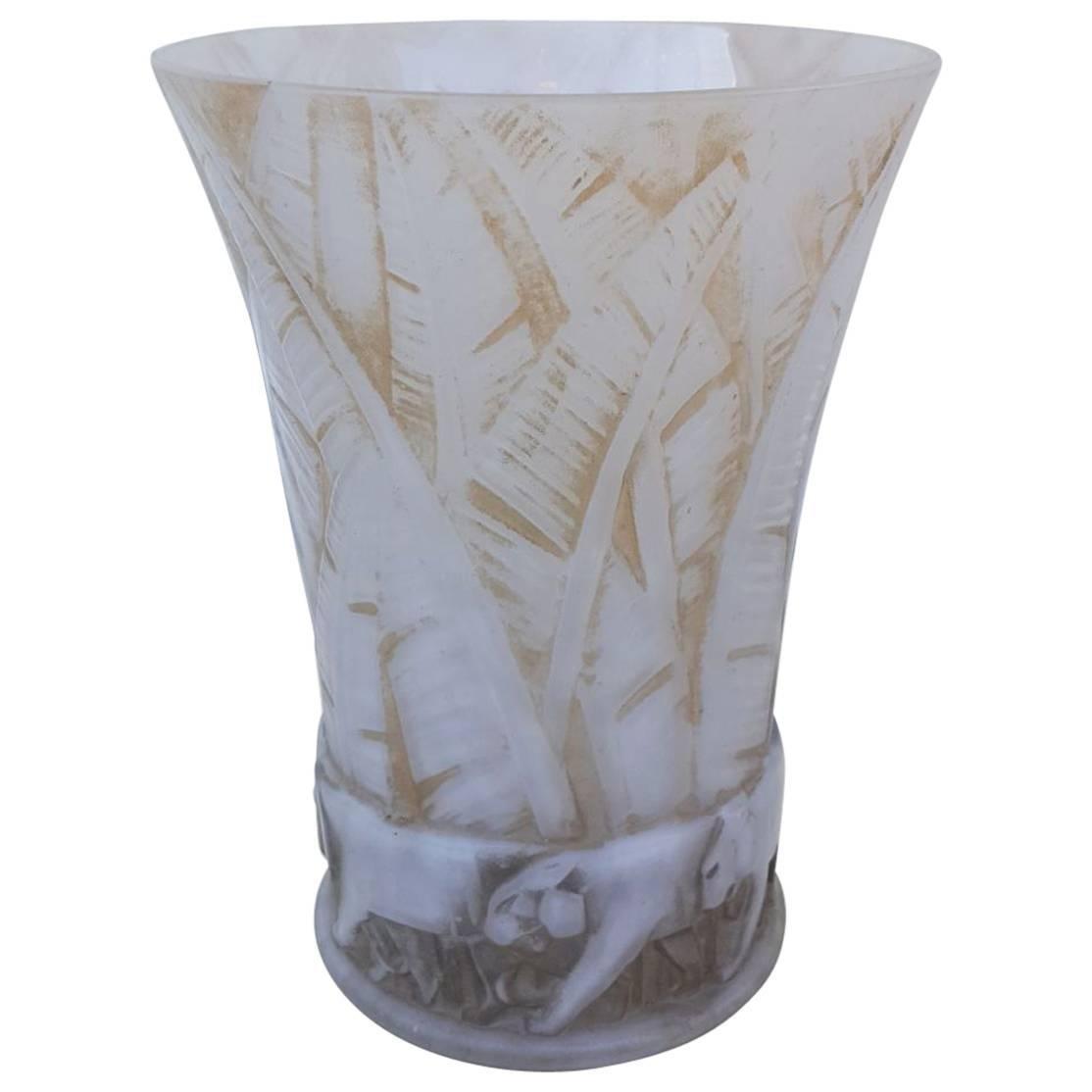 D'Avesn Art Deco Glass Lion Vase