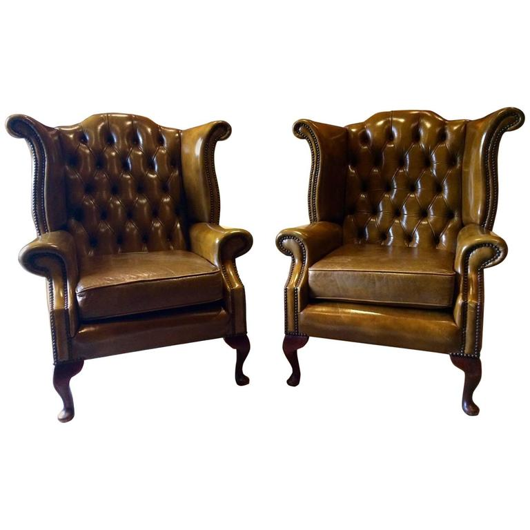 antique style wingback armchair pair in green leather chesterfield set 2 at 1stdibs. Black Bedroom Furniture Sets. Home Design Ideas