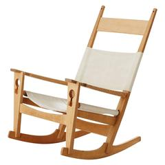 Hans J. Wegner Rocking Chair in Light Oak and Crème Canvas, Denmark, Late 1960s