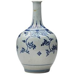 Antique Japanese Imari Porcelain Blue and White Vase, 17th Century