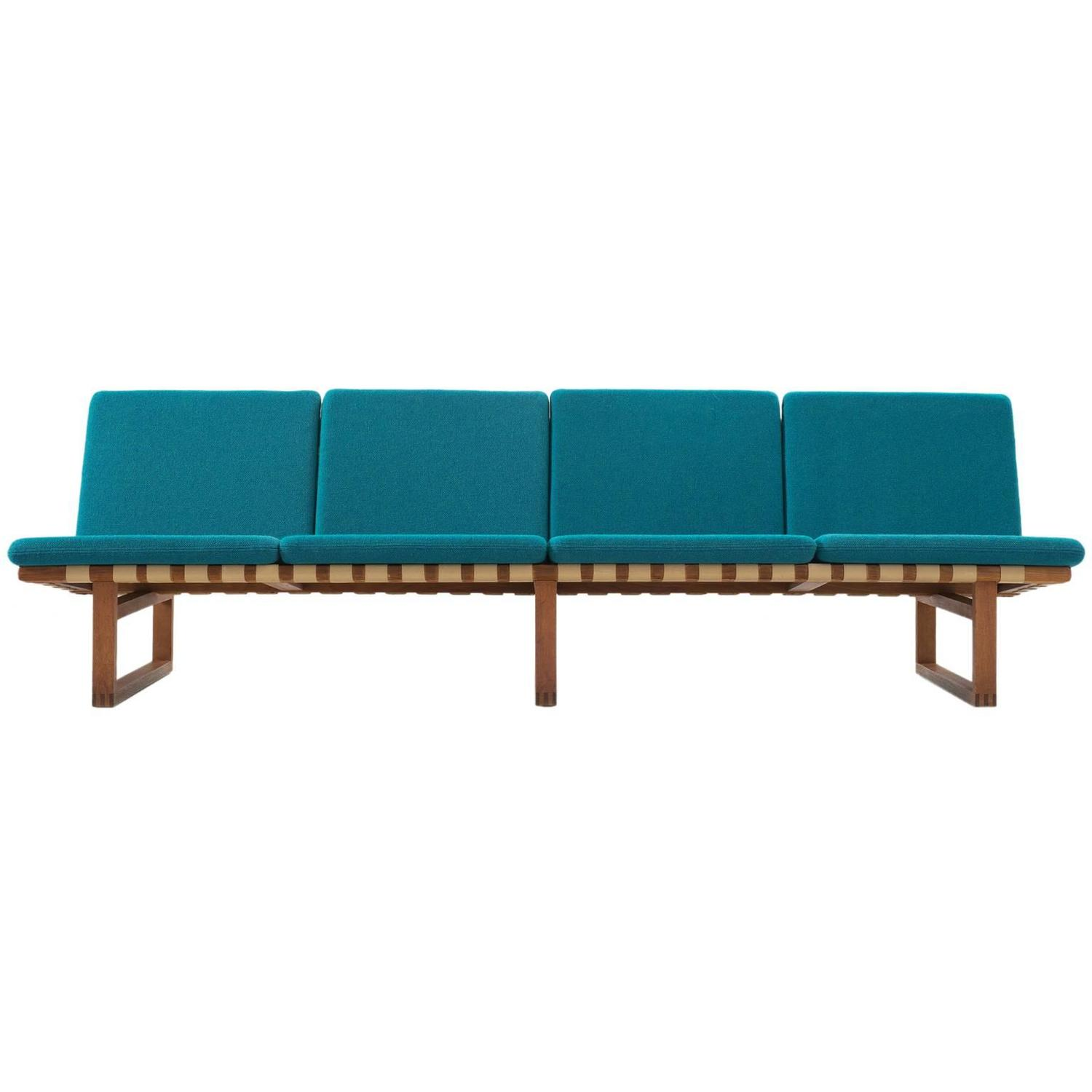 b rge mogensen early four seat sofa with petrol blue upholstery for sale at 1stdibs. Black Bedroom Furniture Sets. Home Design Ideas