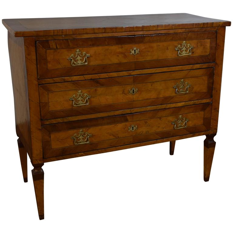 italian neoclassical walnut three drawer commode early 19th century at 1stdibs. Black Bedroom Furniture Sets. Home Design Ideas