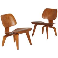Charles and Ray Eames LCW Lounge Chairs, Early Production, circa 1950, Pair
