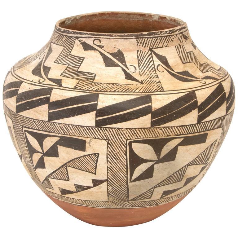 Antique Southwestern Native American Pottery Jar Acoma