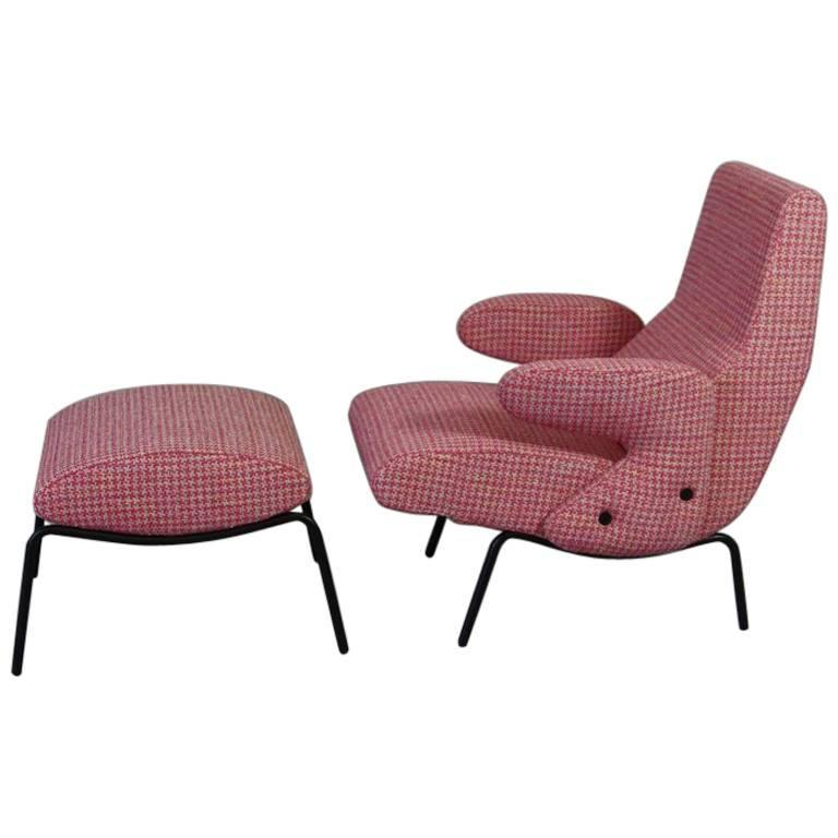 Delfino Lounge Chair and Pouf by Eberto Carboni 1