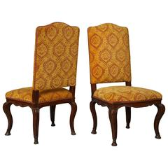 Italian Early 18th Century Pair of Carved Walnut Side Chairs