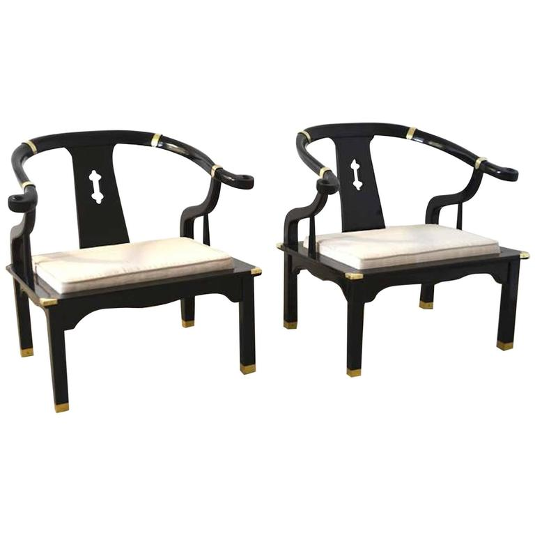 Merveilleux Pair Of Hollywood Regency Asian Inspired Club Chairs